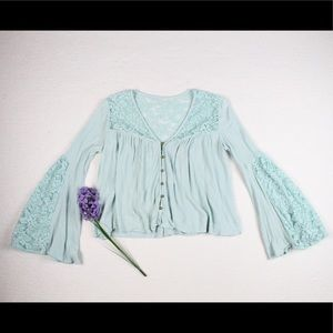 Tops - Mint Lace Bell Sleeve Loose Crop Top